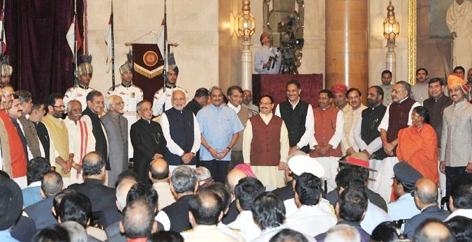 The President, Shri Pranab Mukherjee, the Vice President, Shri Mohd. Hamid Ansari and the Prime Minister, Shri Narendra Modi with the newly inducted Ministers after a Swearing-in Ceremony, at Rashtrapati Bhavan, in New Delhi on November 09, 2014.