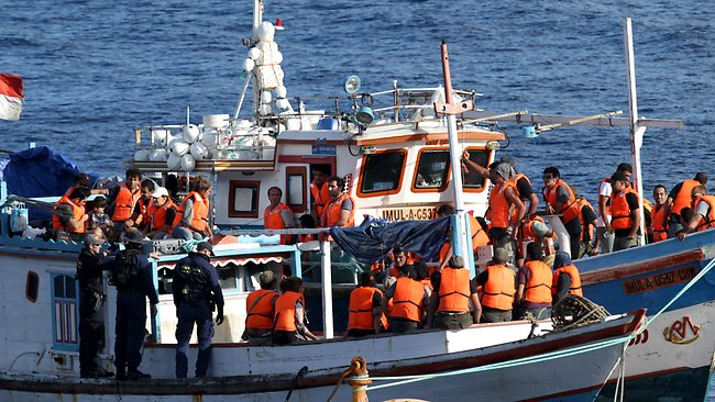 asylum-seeker-boat