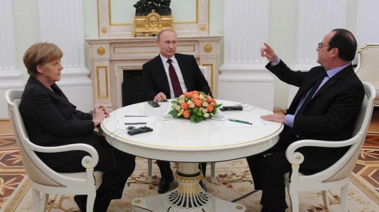 German chancellor Angela Merkel, Russia's president Vladimir Putin, and French president Francois Hollande meet to talk about the Ukraine crisis. Reuters Photo: Mikhail Klimentyev