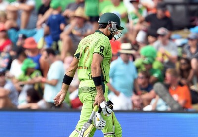 Misbah-ul-Haq walks back after being dismissed for 7, Pakistan v West Indies, World Cup 2015, Group B, Christchurch, February 21, 2015. Photo: AFP