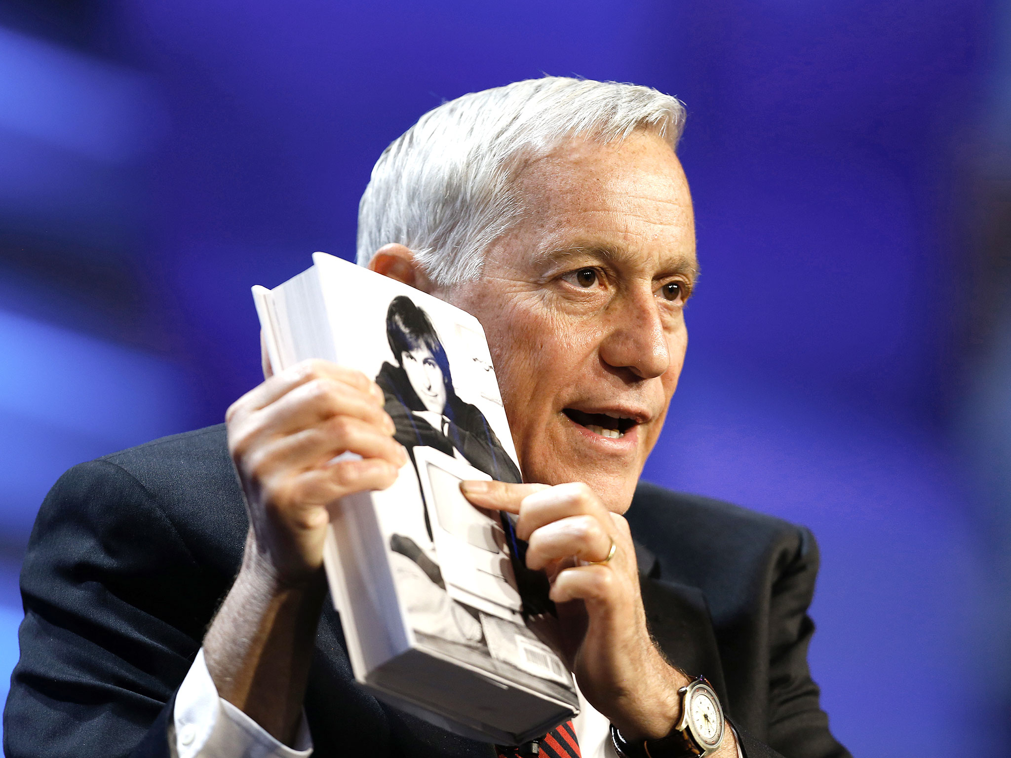 Walter Isaacson, chief executive officer and president of Aspen Institute, talks about his book, Steve Jobs, in 2013. Photo: Aaron M. Sprecher/Bloomberg