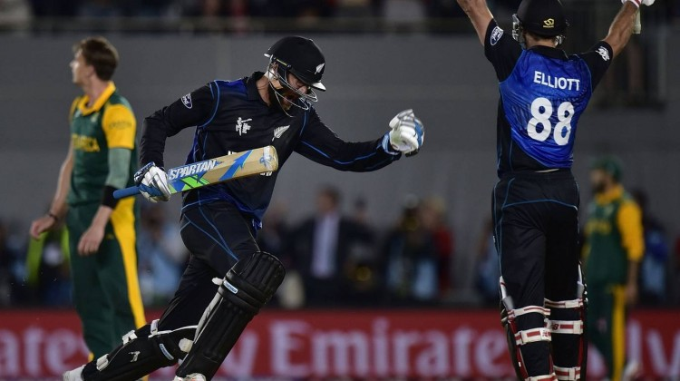 Grant Elliott smashed a six off the second last ball to see New Zealand through to its first World Cup final.