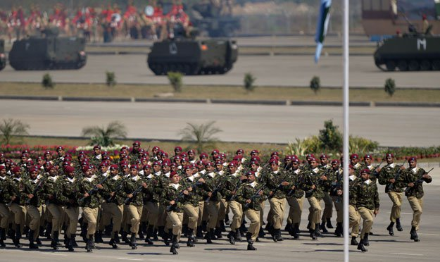 Pakistan Special Services Group (SSG) troops march during the Pakistan Day military parade in Islamabad on March 23, 2015. PHOTO: AFP