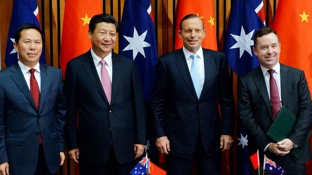 Senior figures from China and Australia were present for the signing of a draft agreement between China Eastern and Qantas, including (from left) China Eastern chairman Liu Shaoyong, Chinese Pesident Xi Jinping, Prime Minister Tony Abbott, and Qantas chief executive Alan Joyce. Read more: http://www.smh.com.au/business/comment-and-analysis/qantas-link-with-china-eastern-may-be-an-air-bridge-too-far-20150324-1m6e4x.html#ixzz3VILKoMNn