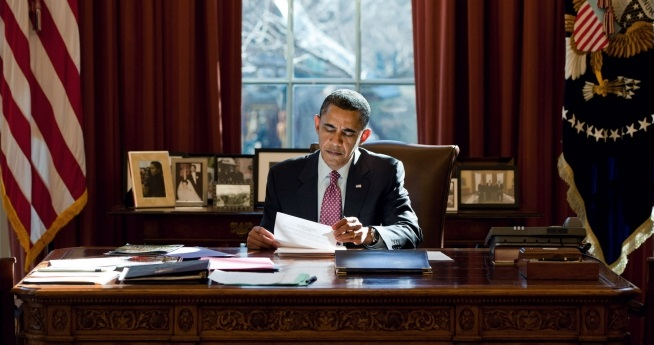 US President Obama on his Desk in his office
