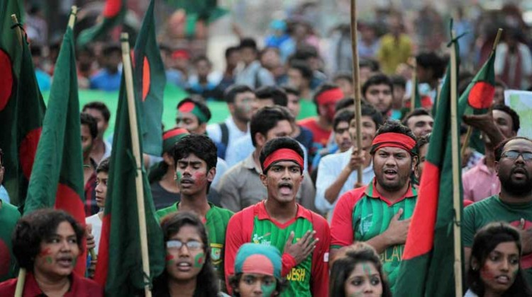Students of the Dhaka University were clearly unhappy with the way Rohit Sharma was ruled not out. Photo: AP