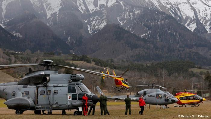 German team traveling to crash site