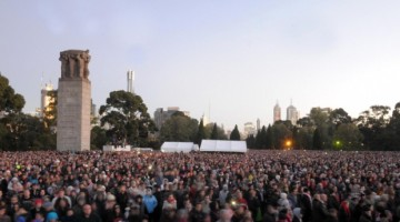 Crowd gather at the Shrine of Remembrance for the Anzac Day dawn service in Melbourne last year. Photo: Julian Smith/AAP Image