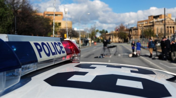Adelaide CBD Under Seige As Police Negotiate With Fugitive Rod Clavell