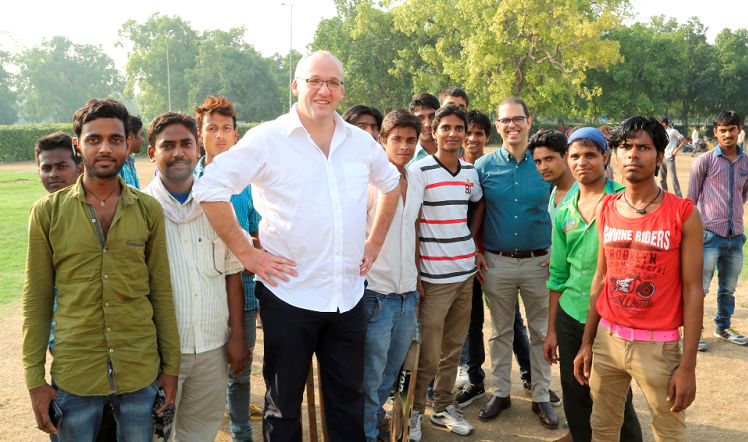 NSW Opposition Leader Luke Foley pays tribute to Gandhi on his first stop of his tour of India