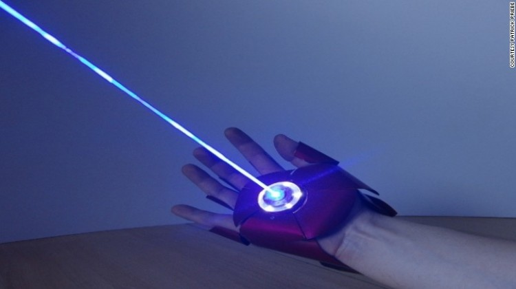 This dual-laser iron man glove is the latest product by German gadget enthusiast Patrick Priebe.