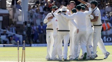 Australian team celebrates after wrapping up the second Test. (AFP Photo: Ian Kington)