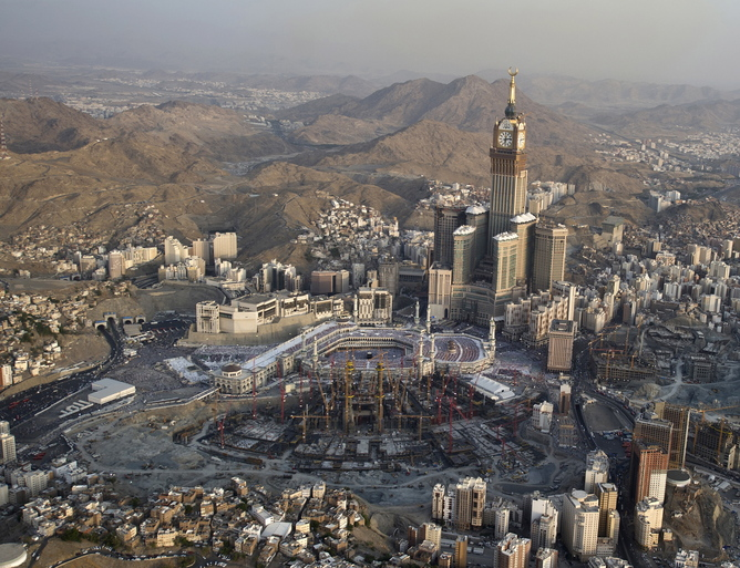 Massive expansion of the grand mosque in Mecca