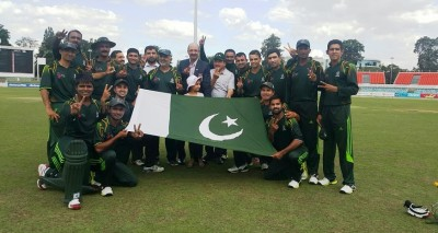 Group photo of Pakistan Navy's Cricket Team with officials after wining International Defence Forces Challenge Cup 2015 at Canberra, Australia. (Photo by Pakistan Navy