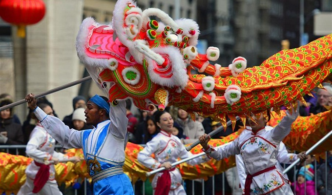 Dancers perform dragon dance during a free community event to celebrate the Chinese New Year at Lincoln Center, New York, Feb. 9, 2016. (Xinhua/Wang Lei)