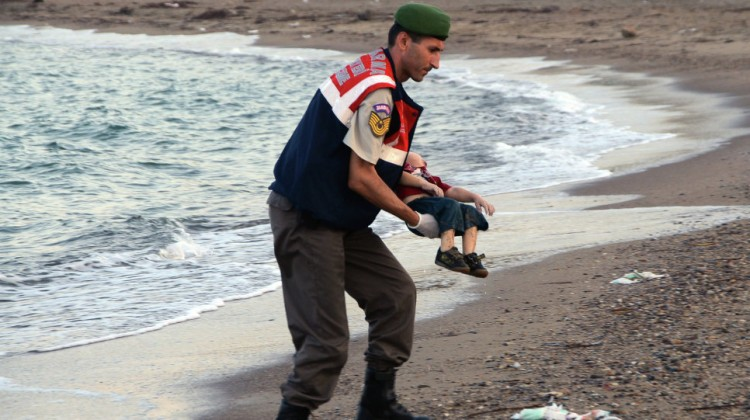 Turkey jails two Syrians over drowning of toddler Aylan Kurdi
