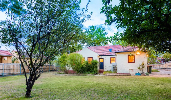 Joe Hockey's former home in the salubrious suburb of Forrest has been eventually sold for $1.515 following negotiations