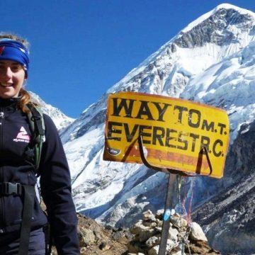 Alyssa Azar on her way to Everest base camp in April 2014. Photo: Facebook