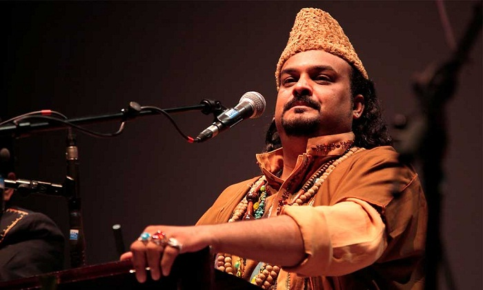 Pakistan is mourning one of its most famous singers, Amjad Sabri, who was shot dead in Karachi by militants.