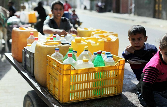 Israel has cut water supplies to large areas of West Bank leaving thousands of Palestinians without sufficient drinking water during the holy month of Ramadan.