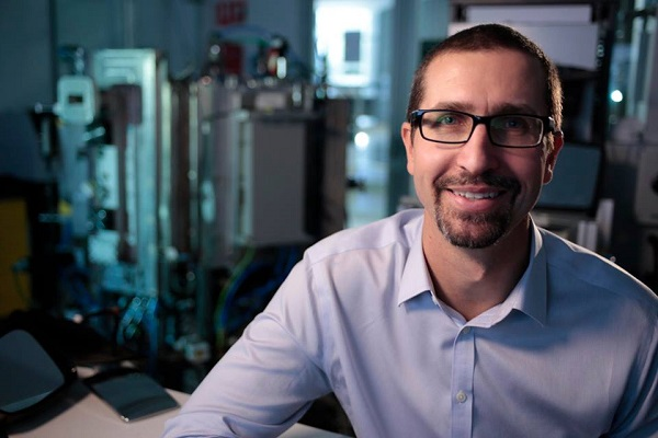Dr. Colin Hall from the University of South Australia has received the inaugural 2016 Prize for New Innovators for creating a new manufacturing process that allows plastic to replace glass and metal, making aircraft, spacecraft and even whitegoods lighter and more efficient.