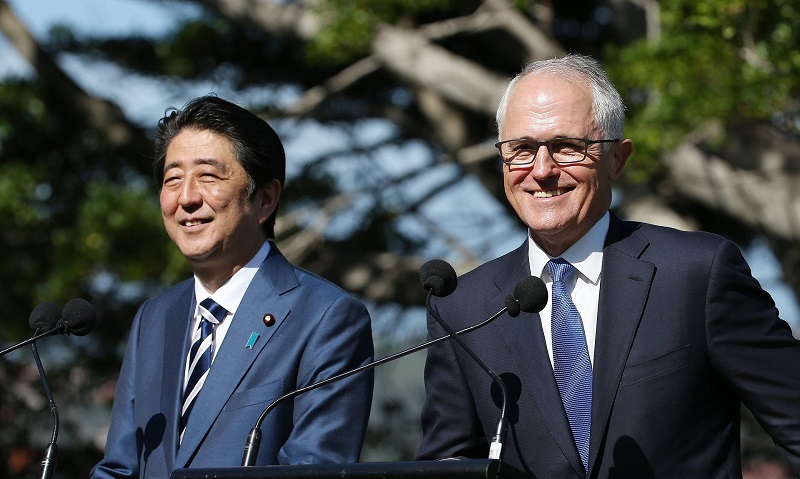 Shinzo Abe and Malcolm Turnbull talk to the media at Kirribilli House in Sydney. Photo: David Moir/EPA