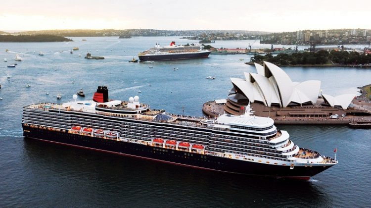 QUEEN MARY 2 AND QUEEN ELIZABETH ROYAL RENDEZVOUS IN SYDNEY HARBOUR