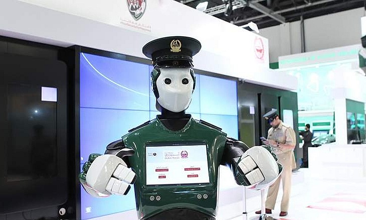 Robot Police in Duabi