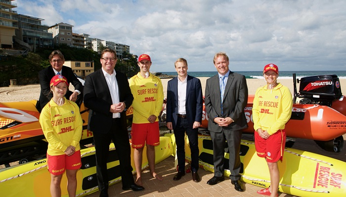 (L-R) SLSNSW President David Murray, Minister for Emergency Services Troy Grant, Member for Manly James Griffin, SLSNSW Acting CEO Adam Weir with local volunteers