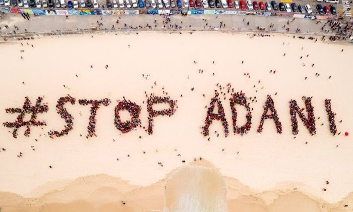 Organisers estimated 1500 people gathered on Bondi Beach on Saturday to protest the Adani mine. Photo: Stop Adani Campaign